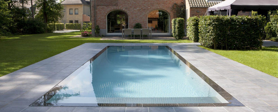 Piscine d bordement effet miroir for Piscine construction prix