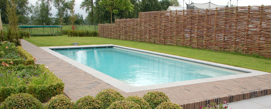 Terrasse bois piscine coque diverses id es for Installation piscine enterree