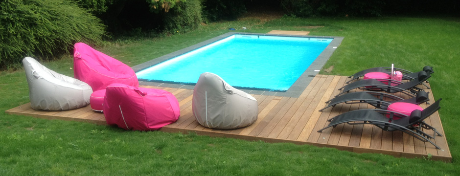 Piscine b ton en panneaux industrialis s for Construction piscine everblue