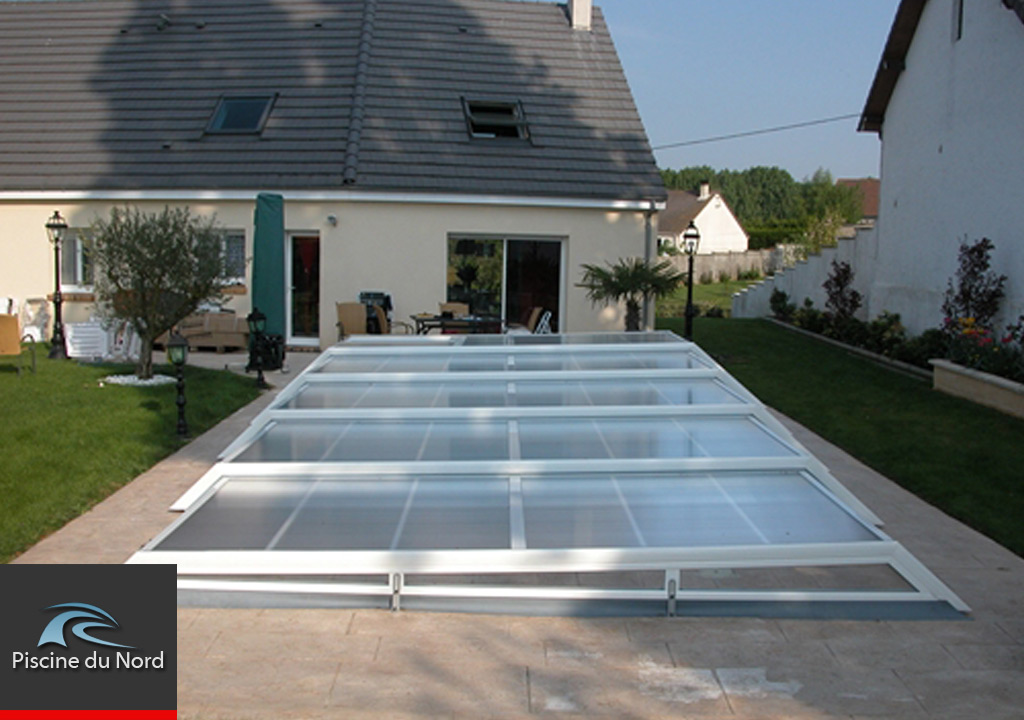 Vid o abri piscine plat motoris pictures to pin on pinterest for Abris de piscine plat