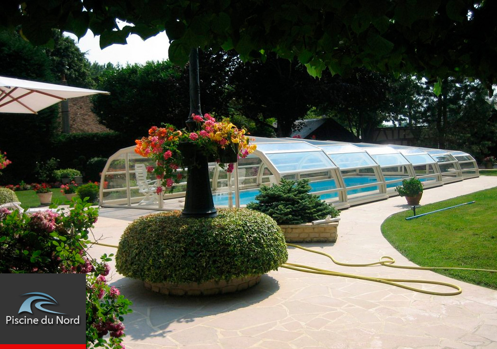 Galerie photos de piscines et abris piscine piscine du nord for Abri de piscine 59