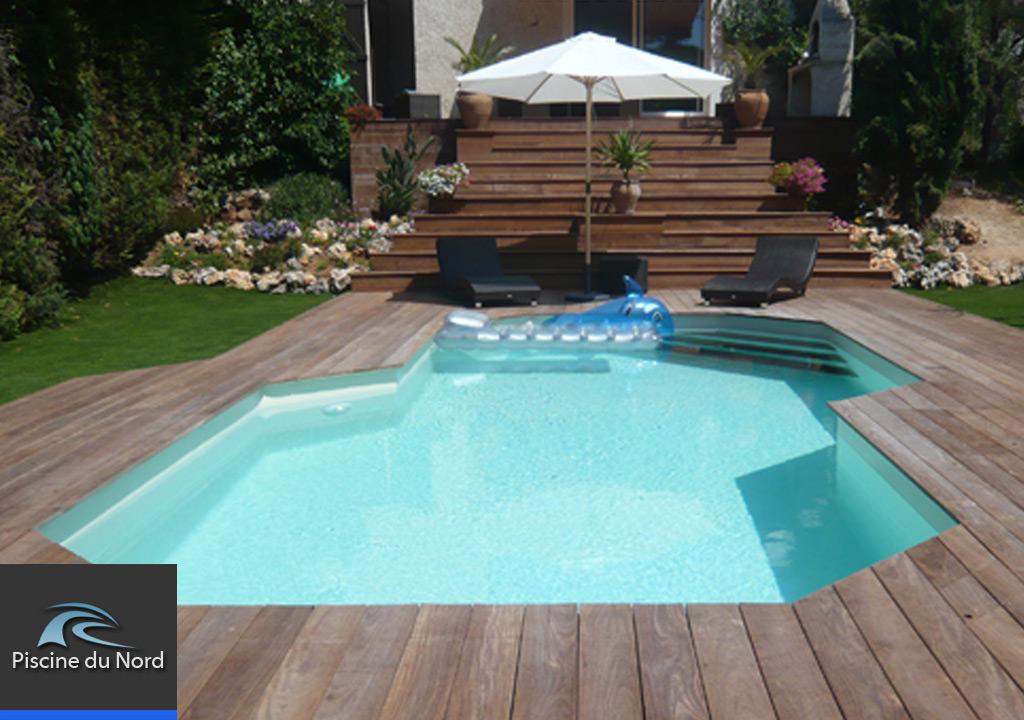 Fabricant piscine bois for Piscine coque sur mesure