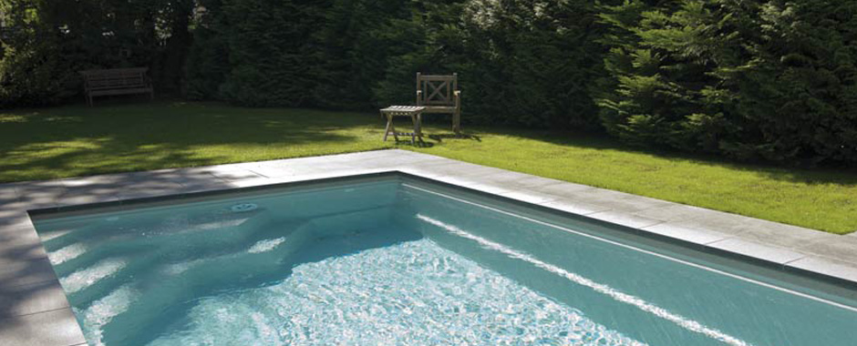 Mod les de piscines en coque c ramique carbone piscine for Piscine les angles