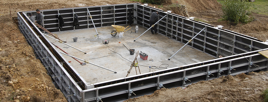 Constructeur piscines b ton coffrage for Prix construction piscine beton