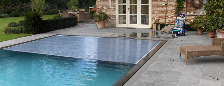 Volet immerg e piscine sous caillebotis - Couverture securite piscine ...